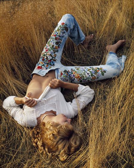 Delia-Levi-Dry-Grass-01