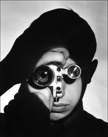 feininger-leica-portrait-2b.jpg