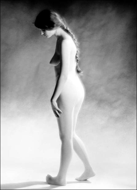 Bes-white-tights-01.jpg