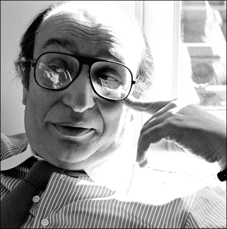 Milton-Glaser-by-Sam-Haskins-03.jpg